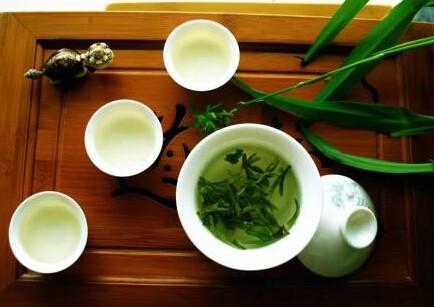 西湖龙井为何得名绿茶之首
