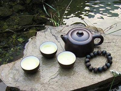 流水间品黄茶最佳