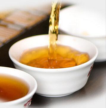 喝生普洱茶会拉肚子