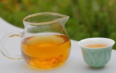 喝普洱生茶