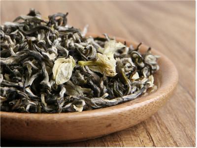 详解百合花茶的作用与功效