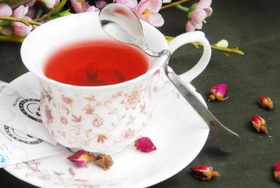 泡玫瑰花茶的方法