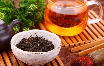红茶和玫瑰花茶