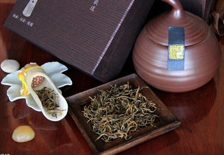 红茶和菊花茶