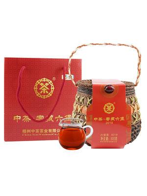 中茶六堡茶8218广西梧州窖藏陈年散茶500g箩装茶叶